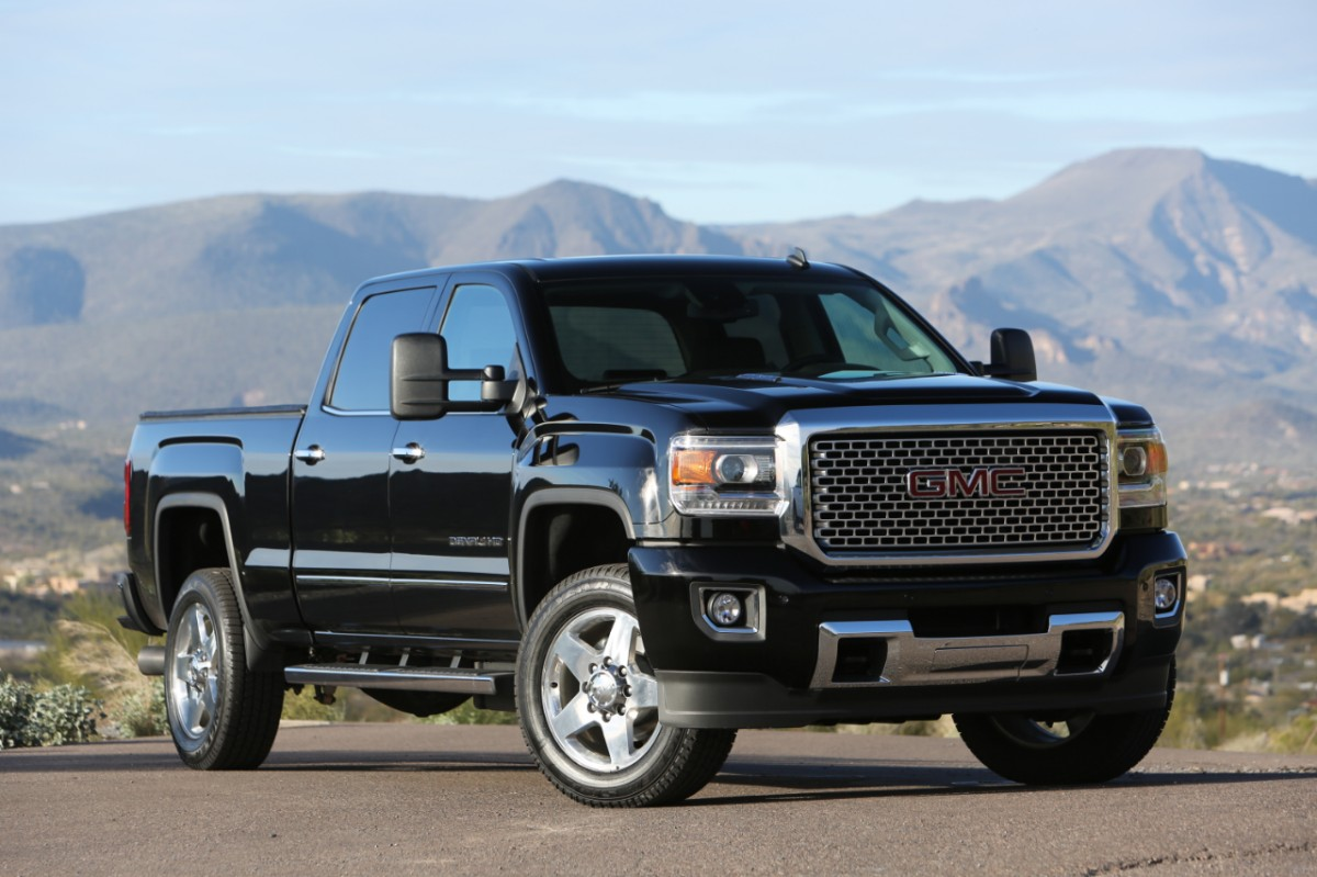 2015-gmc-sierra-denali-2500hd-019-medium